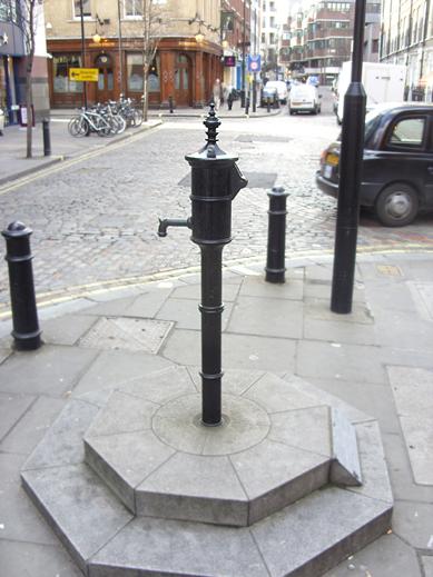 john_snow_cholera_water_pump